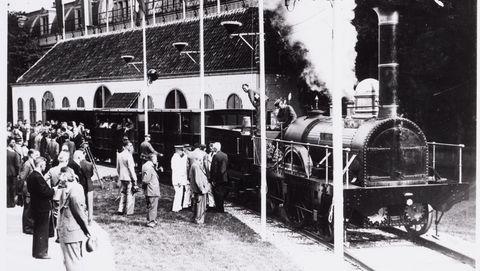 de eerste treinreis in nederland