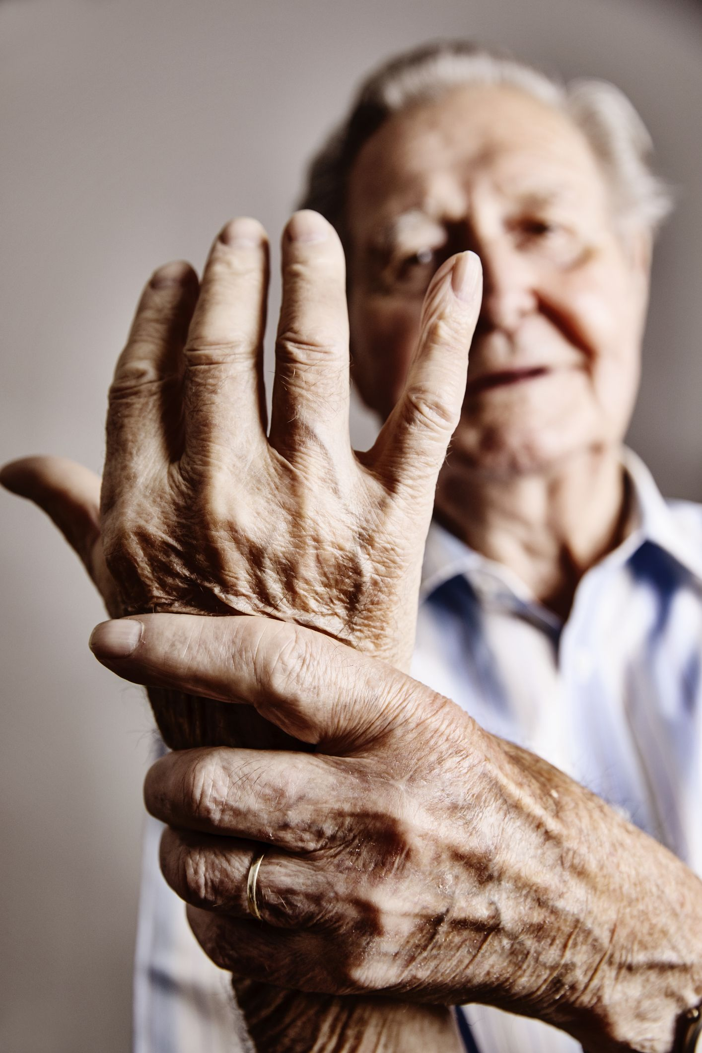 Osteoarthritis symptoms, treatment, causes and getting help