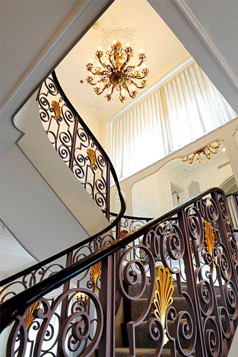 ホテルニューオータニ「ガーデンタワー ロイヤルスイート」の階段