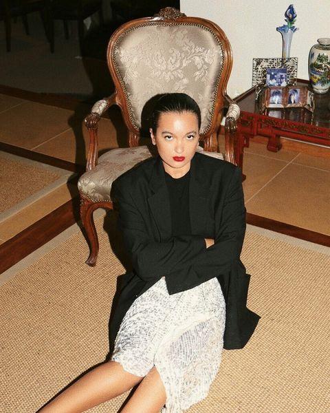 Vogue's mode-reis en lifestyleblogger Oumayma Elbousmeshouli