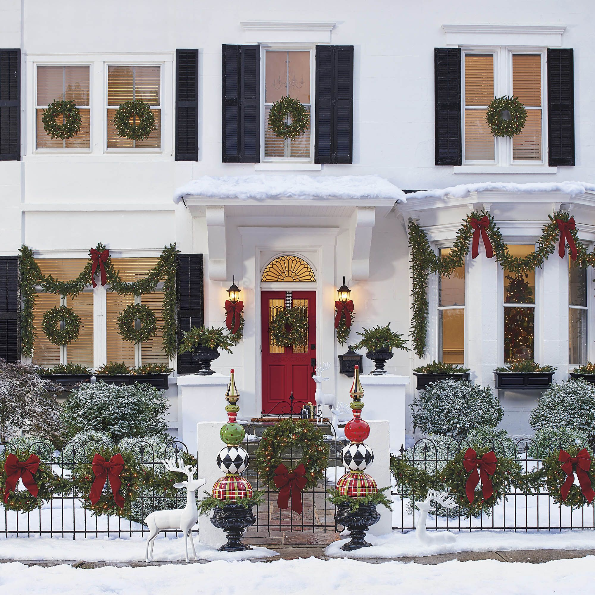 70 Outdoor Christmas Decorations With Major Curb Appeal