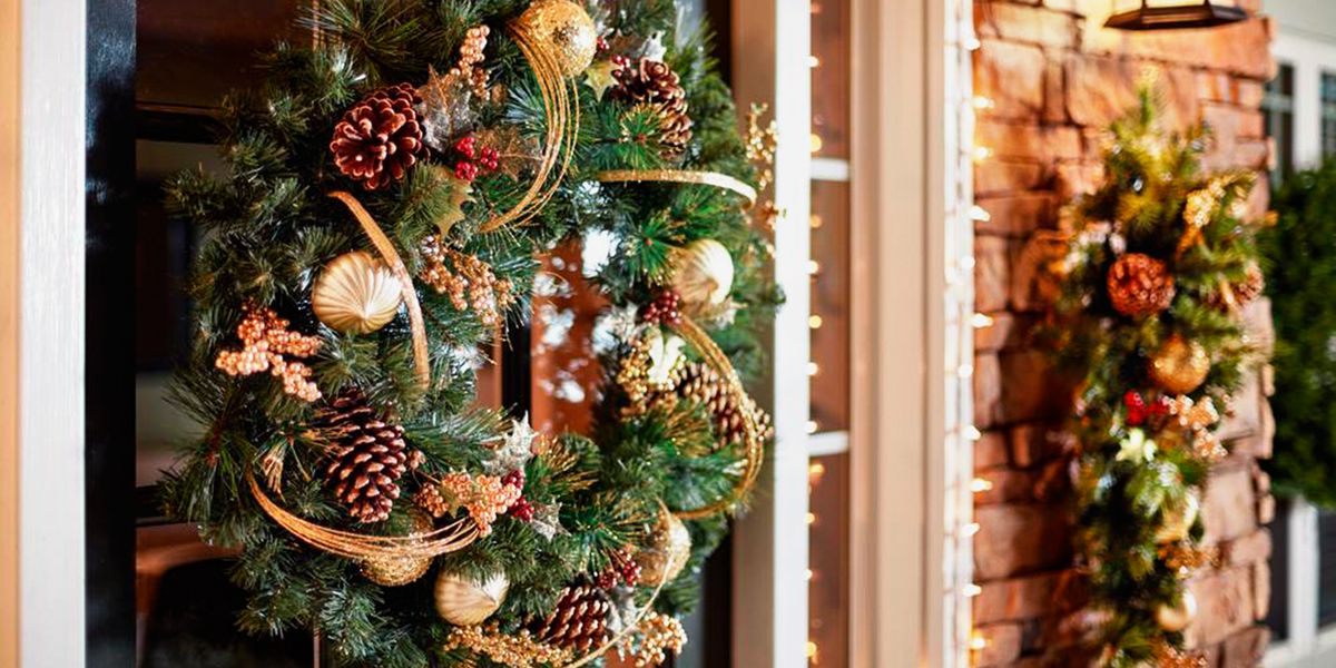 15 Best Outdoor Christmas Decorations For 2018