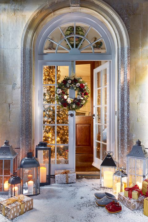 52 Best Outdoor Christmas Decorations - Christmas Yard Decorating Ideas