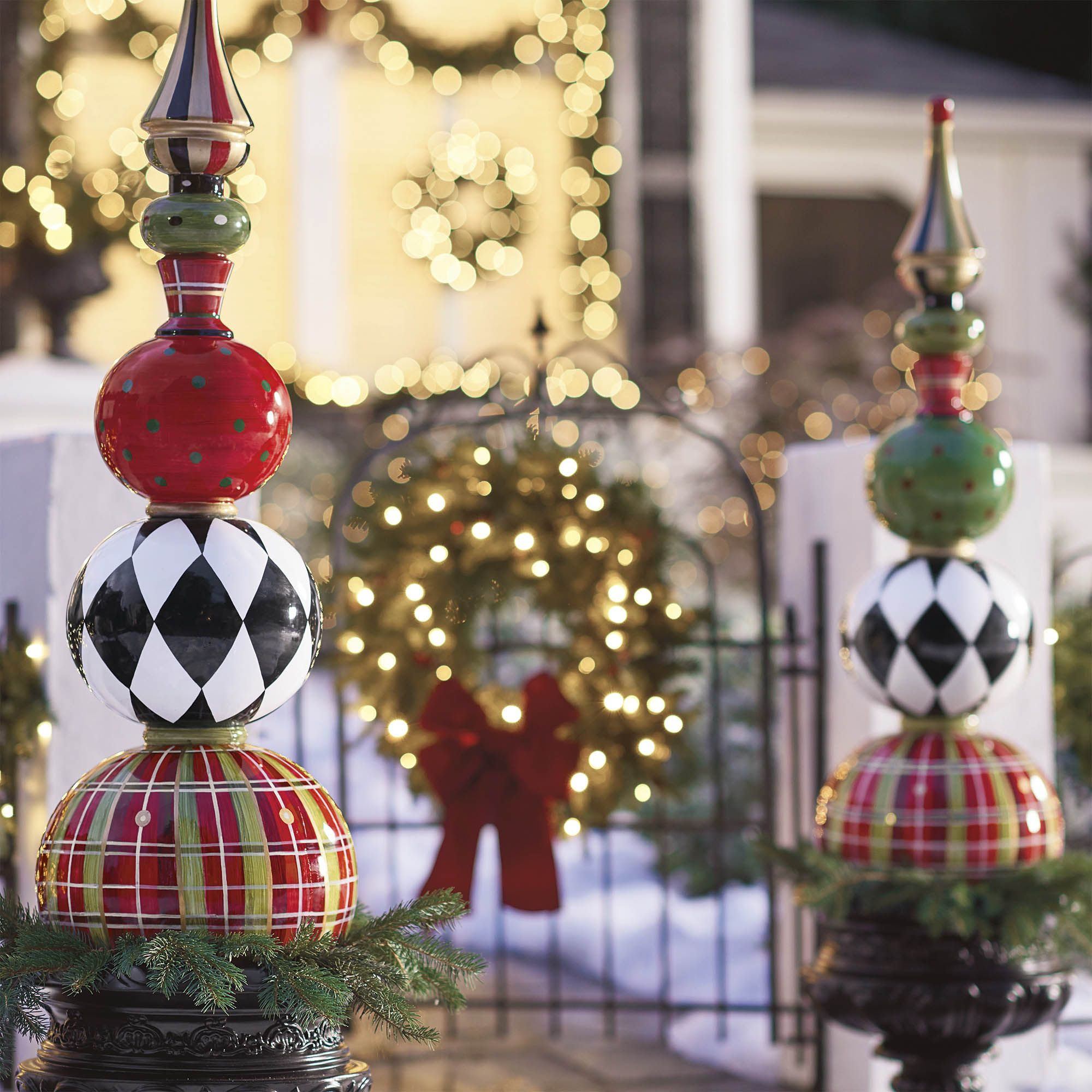 50 outdoor christmas decoration ideas stylish outside christmas decorating for your yard - Unique Outdoor Christmas Decorations
