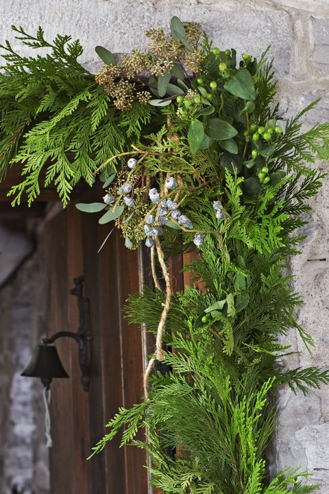 DIY Layered Garland Outdoor Christmas Decorations