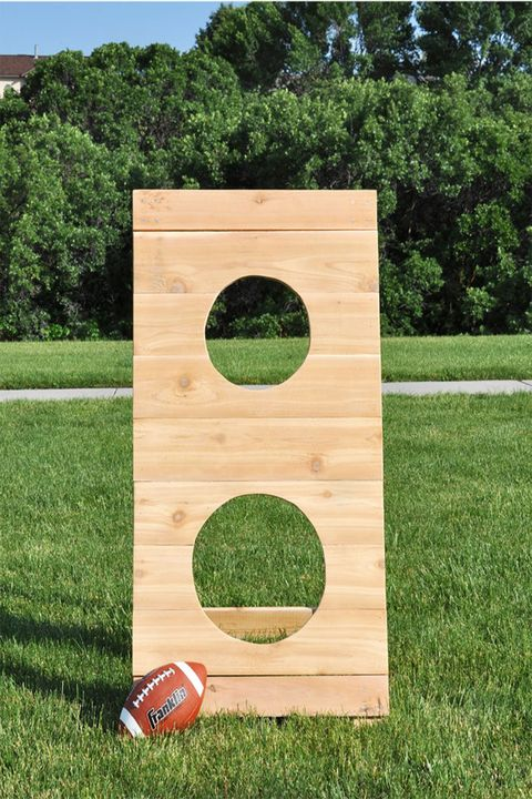 20 fun diy outdoor games for kids backyard party games for groups outdoor games football solutioingenieria Gallery