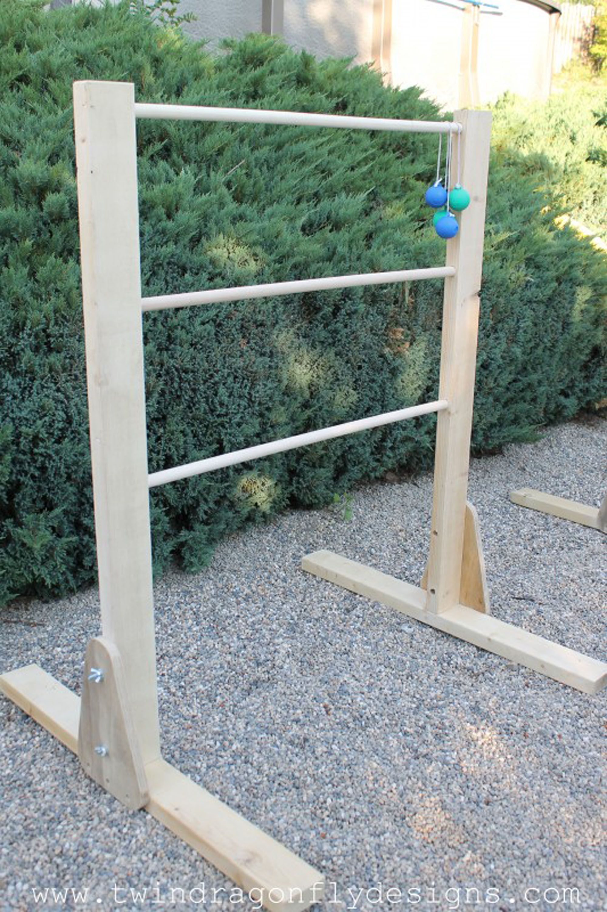 outdoor games ladder golf