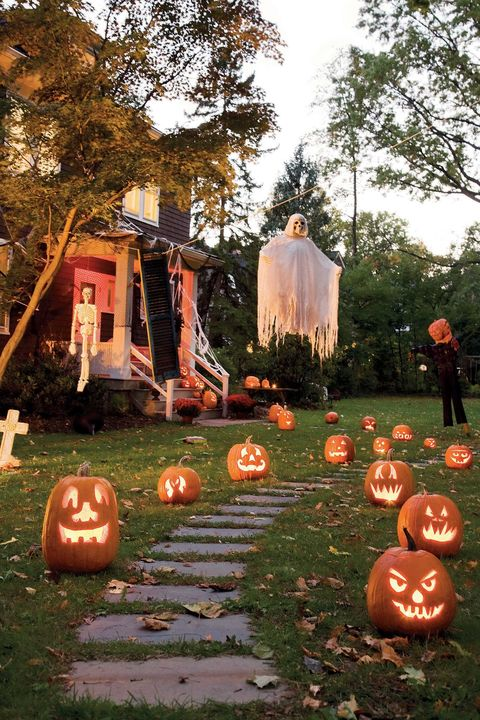 47 Scary Outdoor Halloween Decorations 2020 Best Yard And Porch Halloween Decorating Ideas