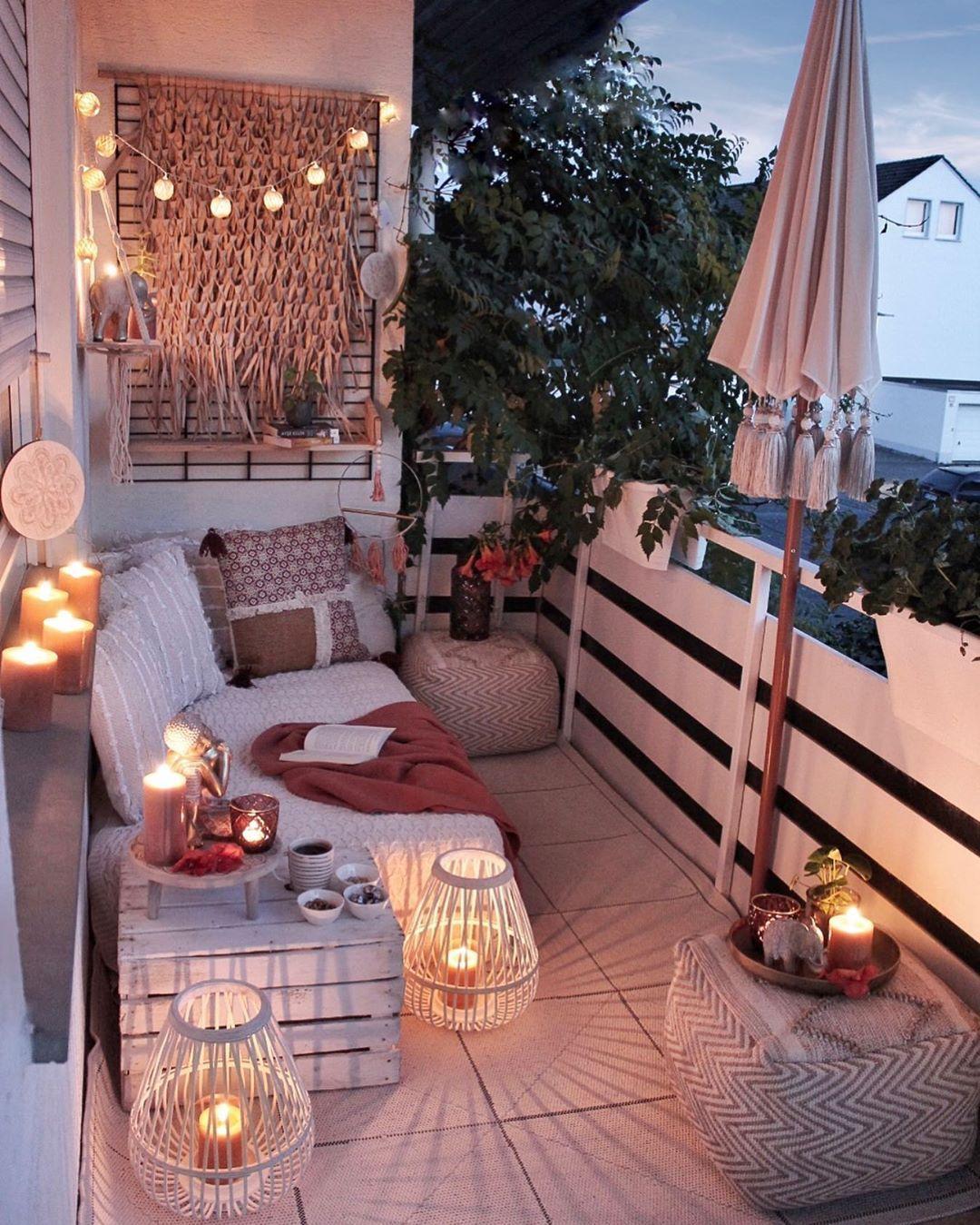 outdoor backyard balcony lighting