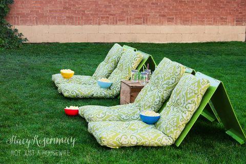 outdoor movie seats backyard diy