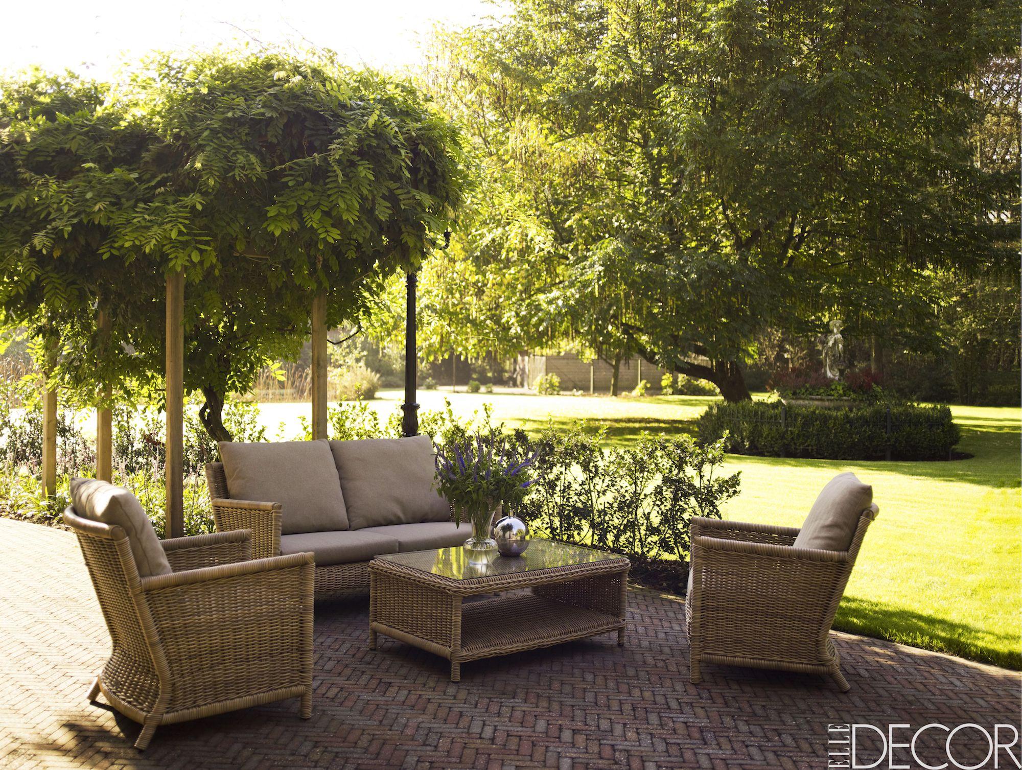 28 best outdoor rooms outdoor living spaces rh elledecor com outdoor patio screen rooms small outdoor rooms patio