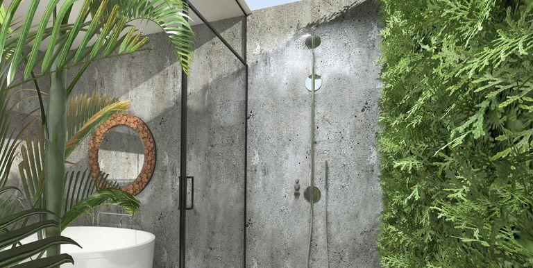 https://hips.hearstapps.com/hmg-prod.s3.amazonaws.com/images/outdoor-showers-1-1528986783.jpg?crop=1.00xw:0.669xh;0,0.0584xh&resize=768:*