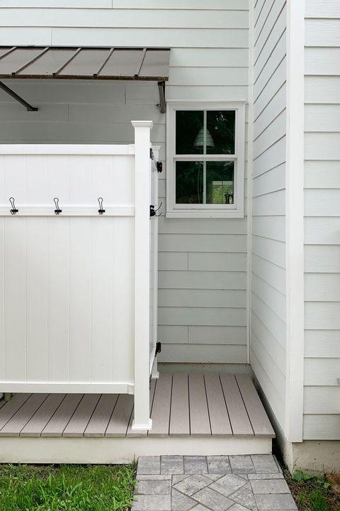 outdoor showers duplex