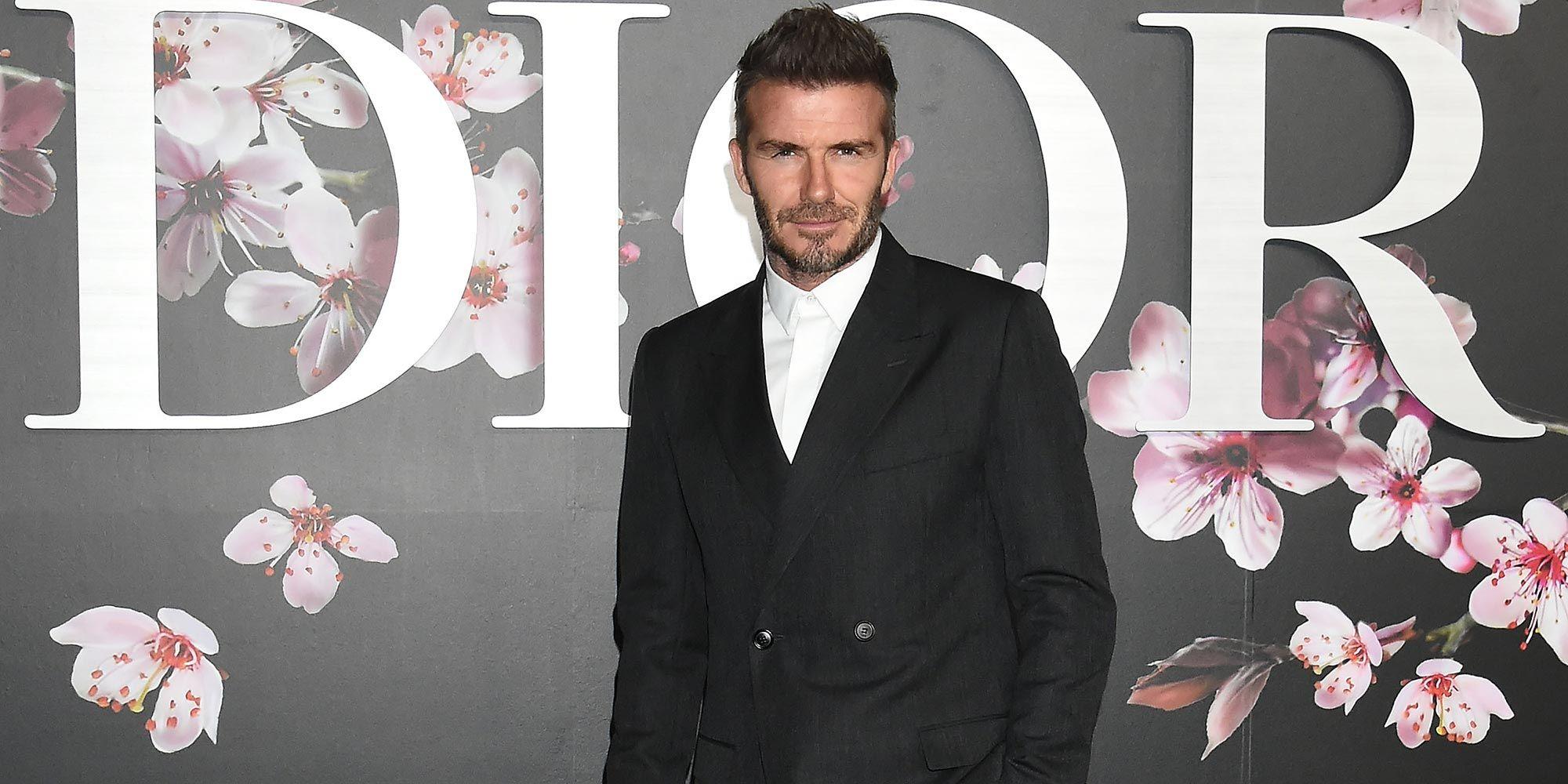 La David Cravatta È Fuori Beckham Moda Conferma FwqwfExOP 694bbeb4cc8