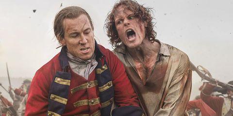 jamie fraser y lord randall en una batalla en outlander