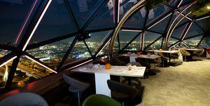OVNEW es el nuevo y galáctico restaurante de moda con vistas a Barcelona