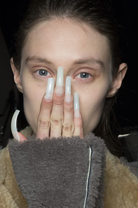 AW19 Nails