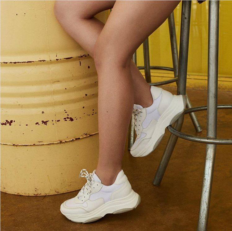 Las Ya Mejores 'low Cost' Sus Versiones Tendencia De Tienen Sneakers pLGjMqSzVU