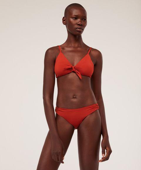 comprar lo mejor mejor amado profesional de venta caliente Oysho vende ya los bañadores y bikinis para todos los tipos ...