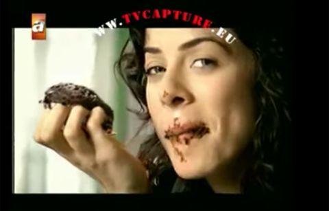 Özge Özpirinçci, así es la actriz protagonista de 'mujer'