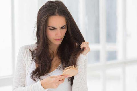 禿頭,落髮,梳頭,梳子,洗髮精,掉髮,植髮,洗頭