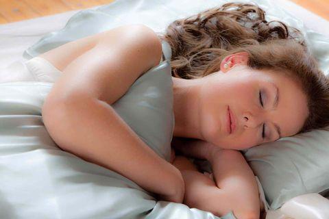 枕頭套,頭髮分岔,分岔,過敏,皺紋,保濕,靜電,抗老