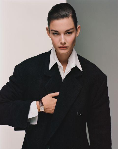 fashion大衣,louis vuitton;tank louis cartier腕錶,cartier