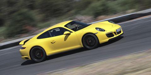 Land vehicle, Vehicle, Car, Performance car, Sports car, Yellow, Supercar, Porsche 911 gt3, Automotive design, Porsche,