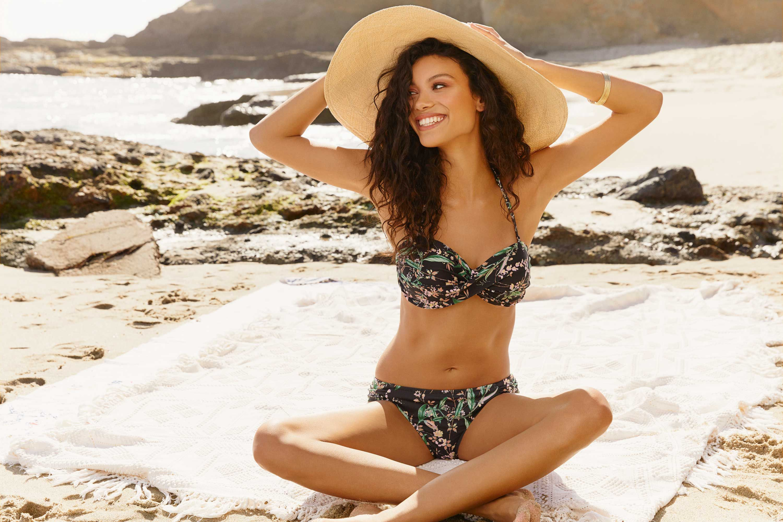 Bikini conrad lauren pic