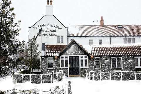 Ye Olde Bell hotel review