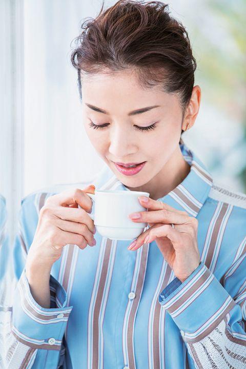 「朝美容は急がば回れ」 君島十和子さんのキレイのお守り6 朝の始まりは一杯の白湯から