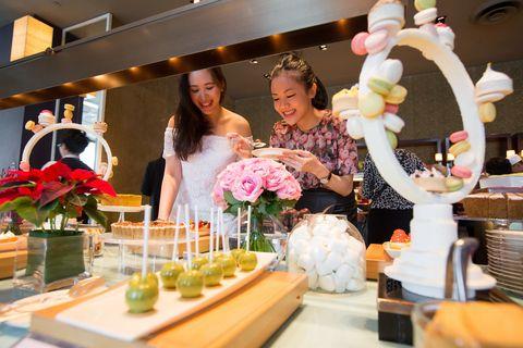Brunch, Function hall, Floristry, Event, Design, Centrepiece, Meal, Party, Floral design, Flower Arranging,