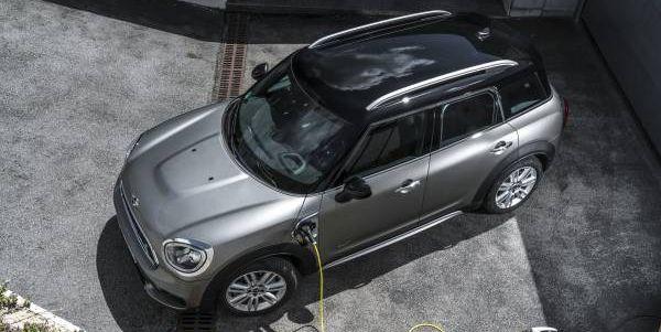 Mini Countryman Plug-In Hybrid Gets 30 Percent Battery Boost