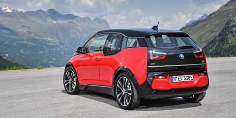 Land vehicle, Vehicle, Car, Automotive design, City car, Sky, Hatchback, Subcompact car, Automotive wheel system, Hot hatch,