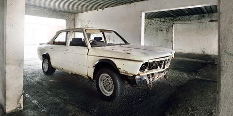 Land vehicle, Vehicle, Car, Regularity rally, Classic car, Bmw 315, Sedan, Personal luxury car, Bmw, Coupé,