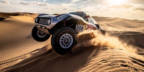 Land vehicle, Vehicle, Off-road racing, Automotive tire, Off-roading, Tire, Desert racing, Car, Natural environment, Off-road vehicle,