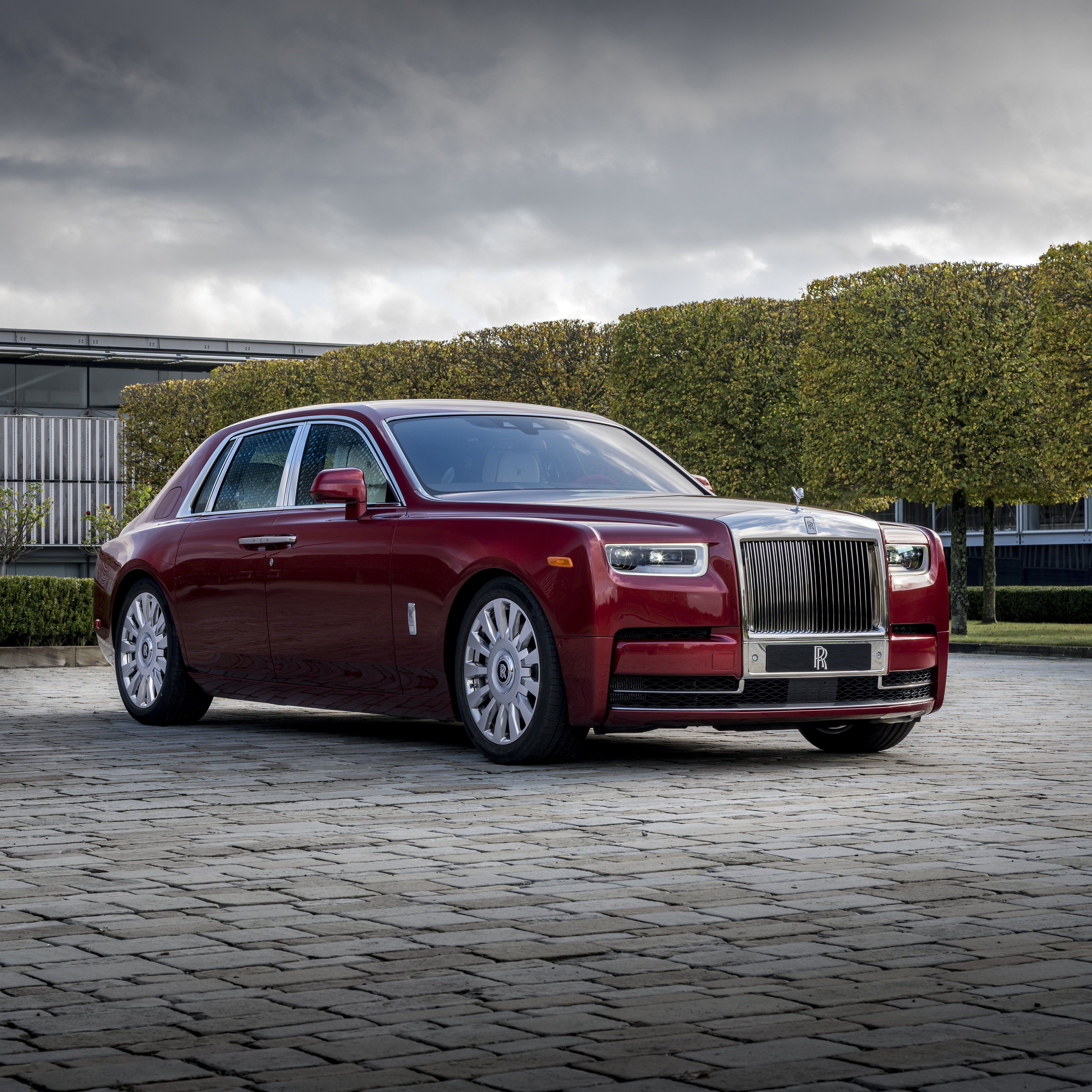 2020 Rolls Royce Phantom Review Pricing And Specs