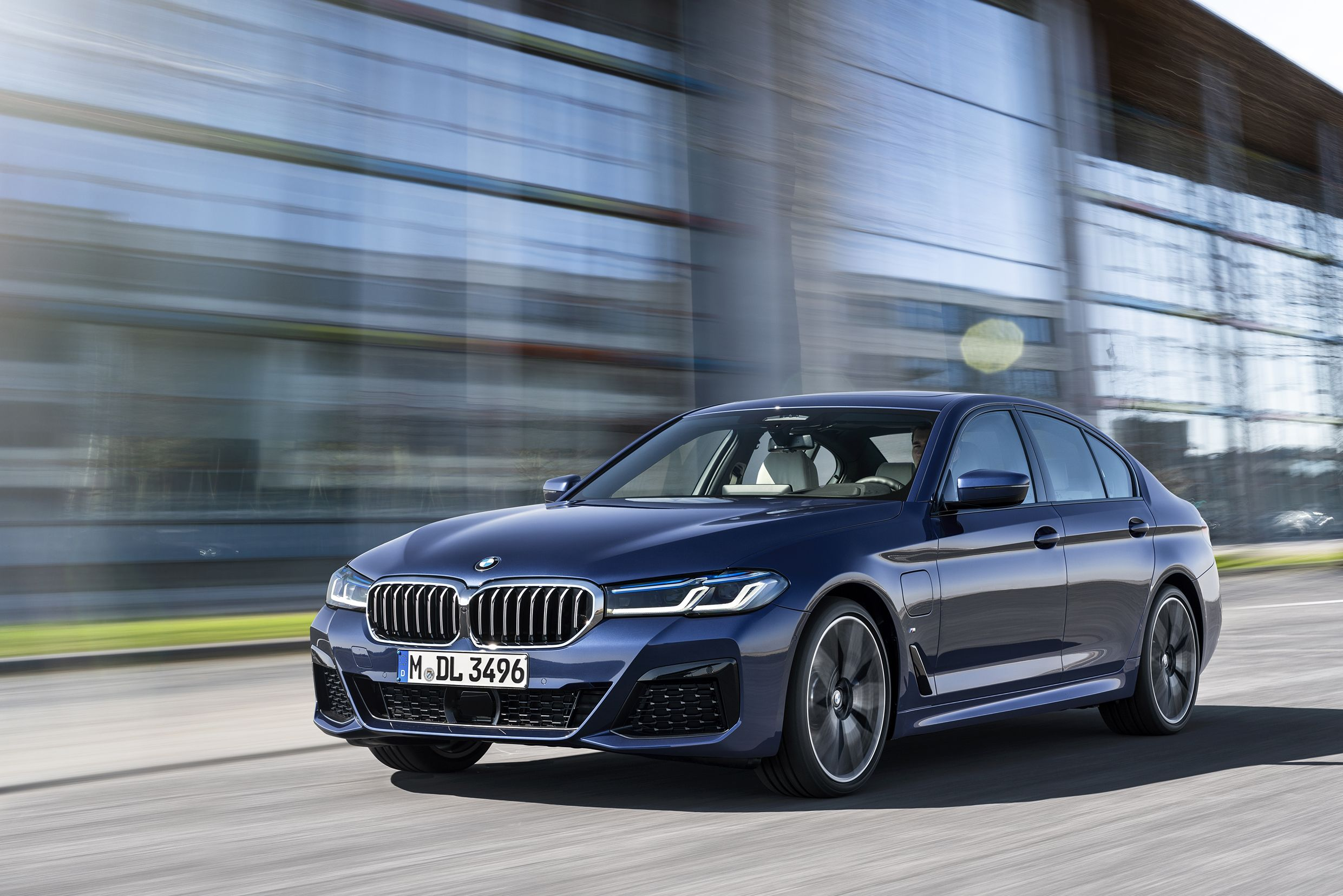 Bmw Reveals An Updated 5 Series Sedan For 2021