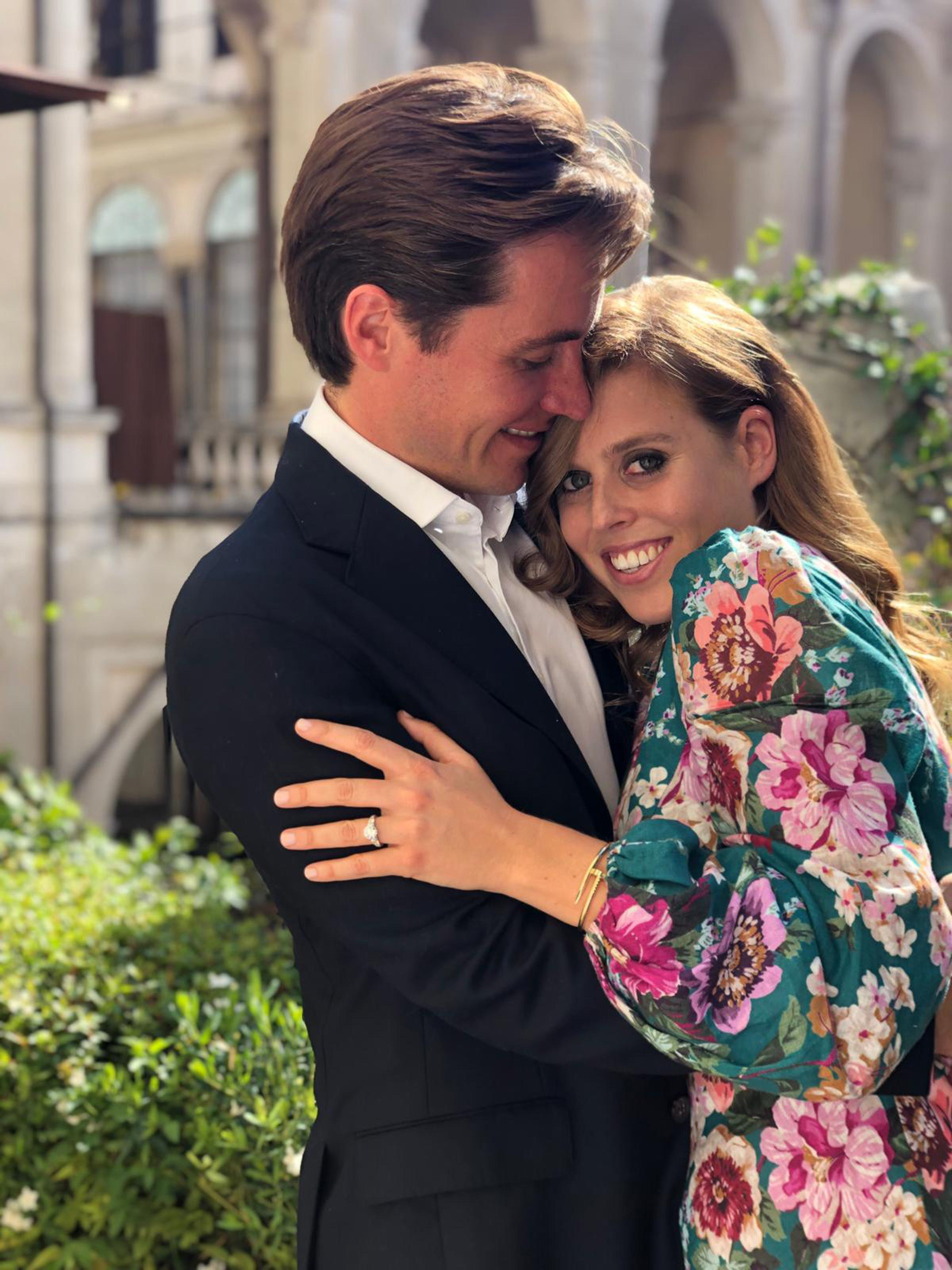 See Princess Beatrice S Diamond Engagement Ring Beatrice S Ring
