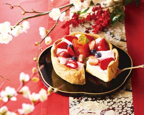 Dish, Food, Cuisine, Ingredient, Dessert, Baked goods, Strawberry, Produce, Finger food, Strawberries,