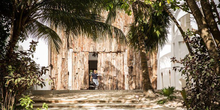 Narcos Fans Vacation Like Pablo Escobar At Casa Malca