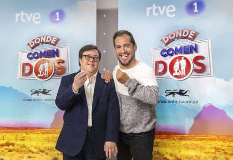 Donde comen dos 1x07 Español Disponible