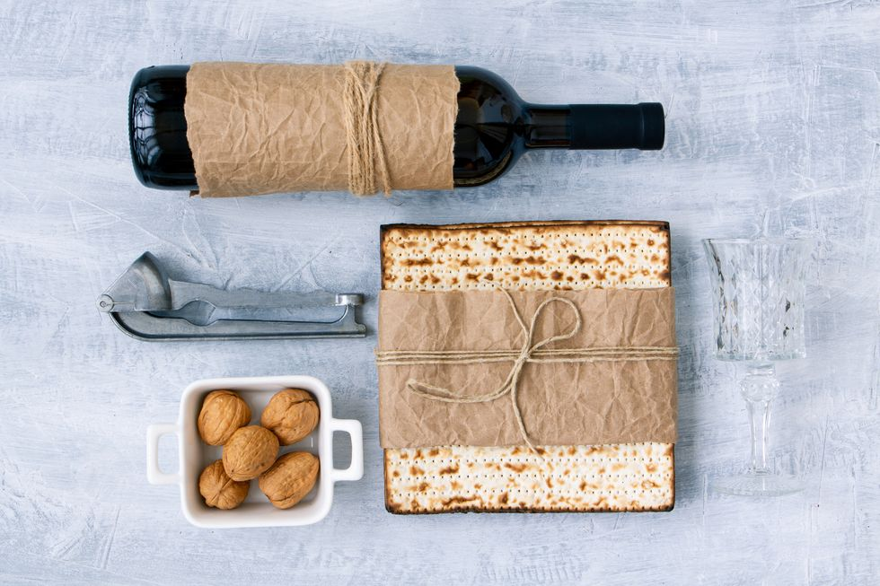 10 Thoughtful Passover Gifts to Bring to Seder Dinner