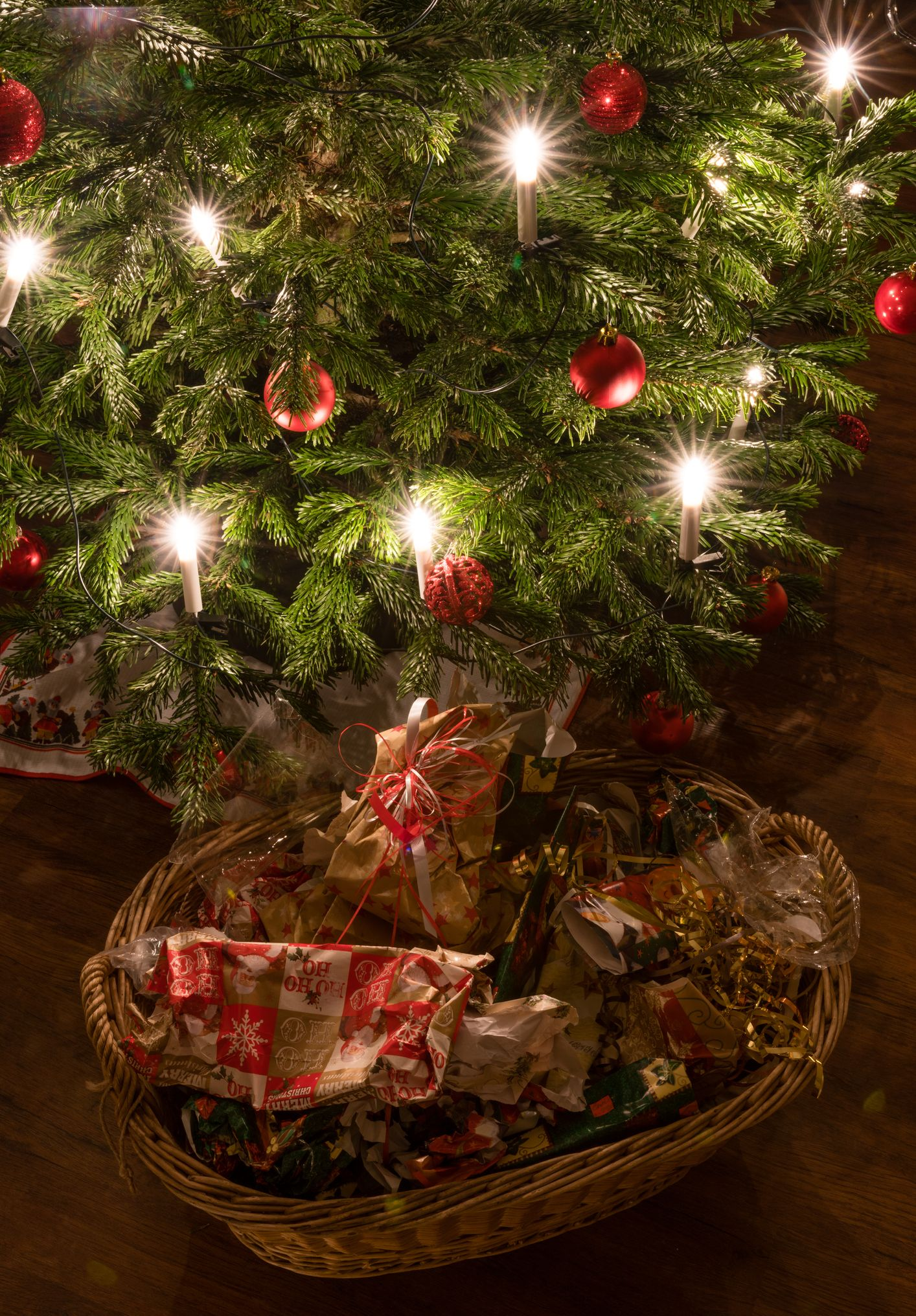 How To Recycle Christmas Cards Christmas Trees And Wrapping Paper