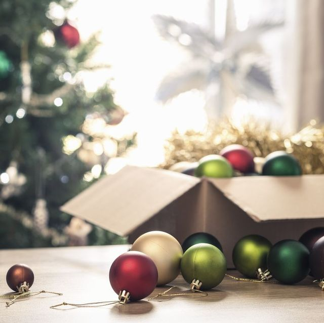 packing christmas decorations advice