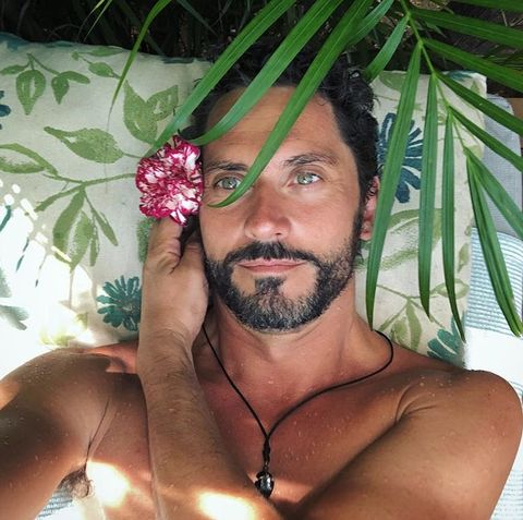 Hair, Facial hair, Barechested, Beard, Chest hair, Chest, Muscle, Plant, Moustache, Selfie,