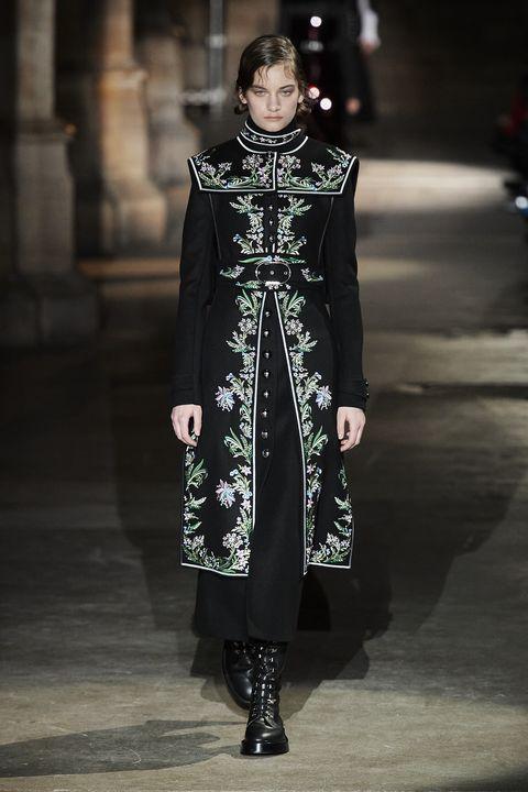 Fashion, Fashion model, Runway, Clothing, Fashion show, Haute couture, Dress, Fashion design, Outerwear, Gothic fashion,
