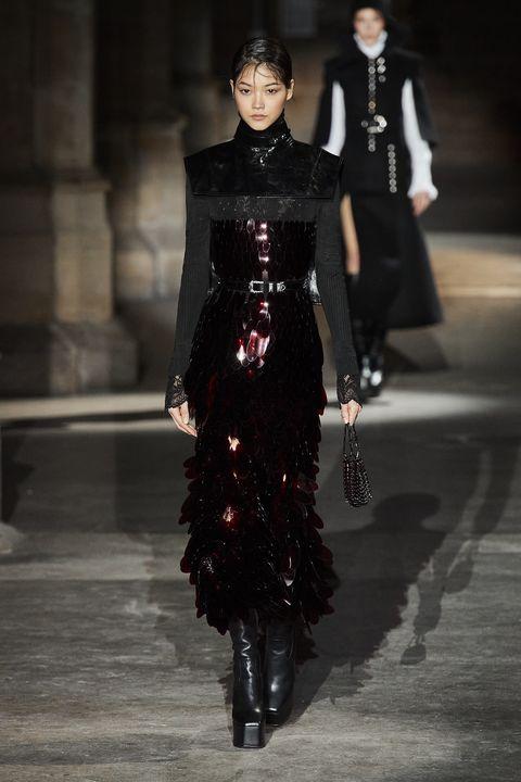 Fashion, Fashion model, Runway, Fashion show, Haute couture, Dress, Gothic fashion, Event, Fashion design,