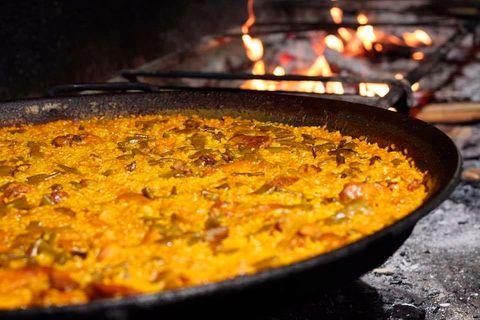 Paella del restaurante Las Bairetas, en Chiva (Valencia)