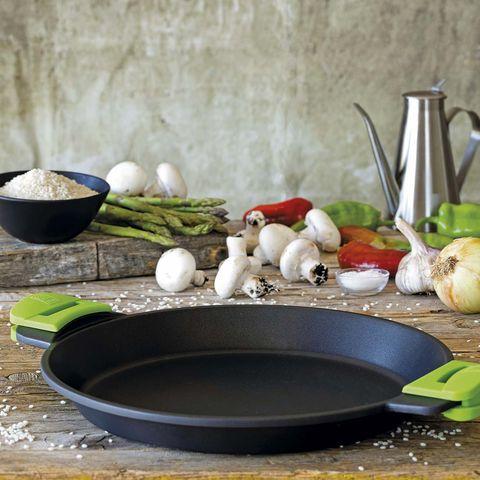 Cocinar arroz: paellera